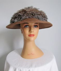 Vintage 1940s 50s Fur and Feather Wide Brim Hat.