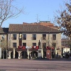 El Ayuntamiento de Medina del Campo retira la bandera republicana del balcón del local municipal de I.U. de la Casa del Peso http://revcyl.com/www/index.php/politica/item/3449-el-ayuntamiento-de-medina-del-campo-retira-la-bandera-republicana-del-balc%C3%B3n-del-local-municipal-de-iu-de-la-casa-del-peso