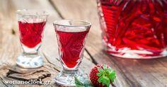 """Λικερ Φραουλα που τα """"Σπάει"""" στη Γεύση!!! Sweet Words, Food To Make, Shot Glass, Alcohol, Cookies, Drinks, Tableware, Candy Sayings, Drinking"""