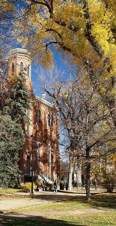 http://wikitravel.org/upload/shared//3/33/University_of_Colorado_at_Boulder.jpg