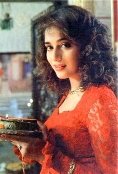 Bollywood most talented and Beautiful Actress & Performer Madhuri Dixit is happy after finishing a schedule of her upcoming film Gulab Gang, a w… Beautiful Bollywood Actress, Beautiful Actresses, Old Film Stars, 90s Stars, Vintage Bollywood, Madhuri Dixit, Bollywood Stars, Bollywood Celebrities, India Beauty
