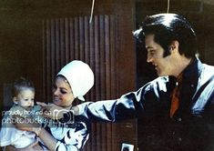 LISAPHOTO 003 PRISCILLA 1970 THE PRESLEY FAMILY ALBUMELVIS