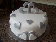 bolo corações prata