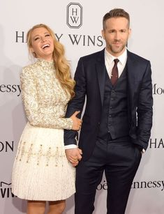 After tying the knot in September Blake Lively and Ryan Reynolds have been absolutely killing it as one of Hollywood& most amazing couples. Blake Lively E Ryan Reynolds, Ryan Reynolds Family, Blake Lively Moda, Blake And Ryan, Blake Lively Family, Blake Lively Style, Blake Lively Fashion, Ryan Reynolds Style, Cute Celebrity Couples