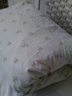 Simpliy Shabby Chic Green Pink Rose Fitted Queen Sheet For Cutter/Restoration #SimplyShabbyChic #ShabbyChicCottageFrenchCountry