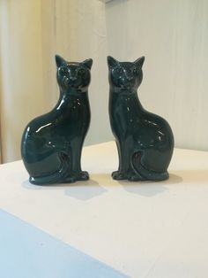Pair of blue Poole cats - vintage