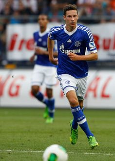 Julian Draxler of Schalke 04