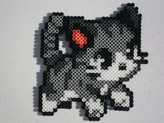A cute kitty perler in black, dark gray and gray colors.  This perler measures…