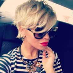 Krótkie fryzury damskie 35+. Eleganckie cięcia z grzywką, irokezem, pixie bob
