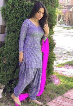 Anarkali Suits, Punjabi Salwar Suits, Pakistani Dresses, Indian Dresses, Punjabi Models, Shalwar Kameez, Patiala, Indian Girls Images, Punjabi Girls