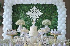 Mesa decorada para batizado First Communion Decorations, Baptism Decorations, Table Decorations, Baptism Party, Boy Baptism, Christening, All White Party, Baptisms, Birthday Parties