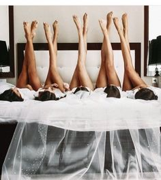 getting ready before wedding photo ideas with bridesmaids