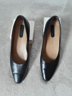 884905dc6ea773 Rockports Women Black Leather Pointy Toe Ballet Flats Size 10M  fashion   clothing  shoes