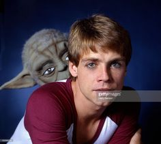 Actor Mark Hamill is photographed with Yoda for People Magazine in 1981 in New York City. Get premium, high resolution news photos at Getty Images People Magazine, Mark Hamill Luke Skywalker, I Still Love Him, Voice Acting, People News, Star Wars Film, Guy Names, Star Wars Episodes, Best Actor