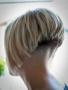 Chic Gray Blunt Haircut - 50 Spectacular Blunt Bob Hairstyles - The Trending Hairstyle Blunt Bob Hairstyles, Stacked Bob Hairstyles, Wedge Hairstyles, Short Bob Haircuts, Modern Haircuts, Trending Hairstyles, Layered Haircuts, Haircut Short, Shaved Bob