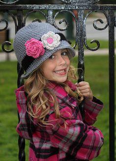 Girls Crochet  Cloche Beanie Winter Hat  Black Grey by onajeans