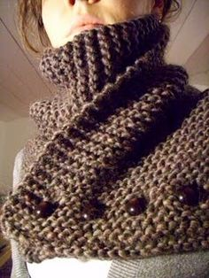 This is a lovely knit scarf pattern on ravelry: http://www.ravelry.com/patterns/library/brulee-scarf