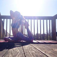 I am light. I am calm. I am peace. #mantra www.bewellyogalifestyle.com