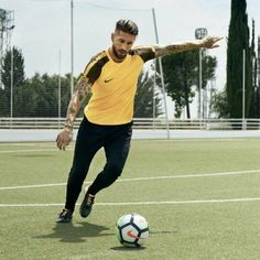 Nike News - Making the Exceptional Look Easy Ramos Real Madrid, Football Love, Best Club, Manchester City, Cristiano Ronaldo, Neymar, My Passion, Football Players, My Man