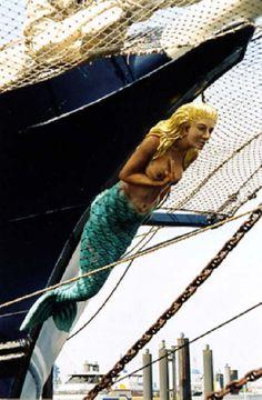 "Mermaid Figurehead on the Sailing Ship ""Thalassa"" ~ Netherlands Old Sailing Ships, Ocean Sailing, Legend Of The Seas, Ship Figurehead, Mermaids And Mermen, Wooden Ship, Pirate Life, Armada, Merfolk"