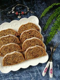 Almás diókenyér recept - Kifőztük, online gasztromagazin Poppy Cake, French Toast, Muffin, Dessert Recipes, Food And Drink, Sweets, Healthy Recipes, Bread, Meals