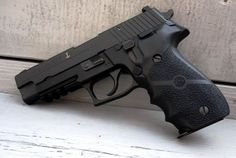 Sig Sauer P226. | Guns 'nd Arms, weapons, knives. | Pinterest ...