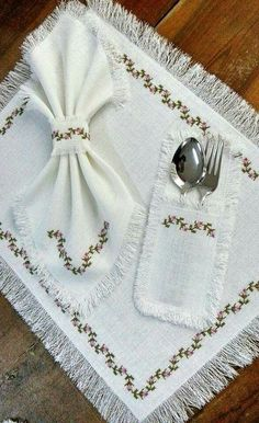 Will be able to sew from linen fabric with pleasure, easy and stylish design will make your dining room smoother. Ribbon Embroidery, Embroidery Stitches, Embroidery Patterns, Cross Stitch Patterns, Crochet Patterns, Bargello, Cross Stitch Flowers, Cross Stitching, Linen Fabric