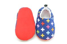 [ Positively Perfect ] #babyfeet #babymoccs #babyslippers #babybooties #babygift #littleKMD  www.kellymariedunn.com/little