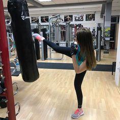 【anarebracafit】さんのInstagramをピンしています。 《 #fitrepublic #ビーチ #休日 #海 #コーチ #フィットネス #フィットネ スモデル #個人トレーナー #balance #personaltrainer  #学校 #fitnessmodel #gym #befit #arm #fitnessgoals #natural #beograd #teretana》