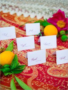 escort cards @weddingchicks