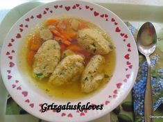 Grízgaluska leves 🥣 Food Porn, Food And Drink, Tasty, Meat, Chicken, Chowders, Soups, Soup, Cubs
