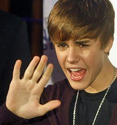 Mark zuckerberg left palmistry hands of famous people palm justin bieber right m4hsunfo