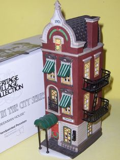 "DEPT 56 ""BEEKMAN HOUSE"" CHRISTMAS IN THE CITY"
