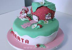 Strawberry shortcake cake by simope, via Flickr Strawberry Shortcake Birthday, Pastry Cake, Cup Cakes, Pastries, Deserts, Birthday Cake, Food, Types Of Cakes, Strawberry Fruit