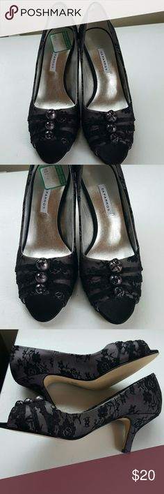 Pretty peep toe heels NWT, size 8 Grayish shade with black lace, small buttons on top, very feminine and pretty. Man-made upper, leather sole. Caparros Shoes Heels