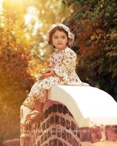 🚫کپی عکس بدون تگ ممنوع Cute Little Baby Girl, Cute Baby Girl Pictures, Mom And Baby, Sweet Girls, Baby Love, Baby Baby, Baby Photos, Cute Baby Smile, Islam