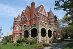 This house was built in 1893 for Charles M. Schwab, at the time a superintendent of the nearby Edgar Thomson Works. Soon after, he became president of Carnegie Steel before becoming the first president and chairman of the Bethlehem Steel Corporation. He became massively wealthy from Bethlehem Steel's success as one of the two largest steel producers and is known for his Riverside estate, one of the largest mansions ever constructed in Manhattan.