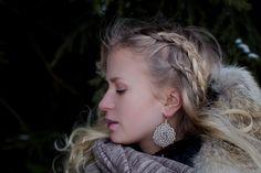 Pinecone mandala earrings 32€.