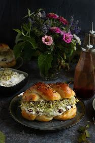 ...konyhán innen - kerten túl...: Ünnepi ételek húsvétra Bagel, Bread, Food, Brot, Essen, Baking, Meals, Breads, Buns