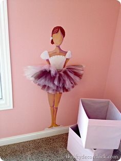 Love this for a little girls room! Since I've always said if our second baby is a girl her room will be ballet themed! But instead of a blank face, put an oval mirror so her own face looks back at her! Ballerina Bedroom, Ballet Room, Ballerina Painting, Ballerina Art, Ballerina Project, Little Girl Rooms, Little Girls, Dance Rooms, Thrifty Decor Chick