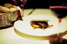 Zucca al vapore e pera all'aceto balsamico, salsa di burrata e friabile ai semi di papavero  Innocenti Evasioni - Giardino ristorante  Via Priv della Bindellina  20155 Milano  tel 02 / 33001882  fax 02 / 89055502    > per prenotazioni:  ristorante@innocentievasioni.com  > per informazioni:  tommaso.arrigoni@innocentievasioni.com  eros.picco@innocentievasioni.com