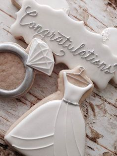 Photos of Love Bug Cakes and Cookies - Cookies by Kerri