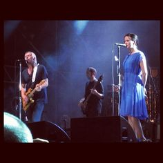 """Weller and his wife Hannah perform """"Study in blue"""" in Rome in July For me this is the standout track on Paul's number one album """"Sonik Kicks"""" The Style Council, Paul Weller, Rock News, Music Photo, New Wave, Number One, Punk Rock, Rome, Religion"""