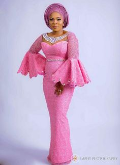 nigerian dress styles Hello gorgeous, we are happy to unveil our first collection of Asoebi Styles series of the year 2019 - Latest Asoebi Styles Collection To have a great time Best African Dresses, African Traditional Dresses, Latest African Fashion Dresses, African Print Fashion, African Attire, Nigerian Fashion, Ankara Fashion, Fashion Outfits, Kimono Fashion
