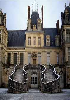 Chateau de Fontainebleau, France The medieval castle and later château was the residence of French monarchs from Louis VII through Napoleon III. Beautiful Castles, Beautiful Buildings, Beautiful Places, Grand Staircase, Staircase Design, Photo Chateau, Mansion Homes, Magic Places, Belle France