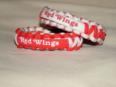 Detroit Red Wings NHL Hockey Survival 550 Paracord Bracelet