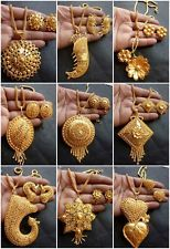 45 Ideas jewerly necklace pendant earrings for 2019 Gold Mangalsutra Designs, Gold Earrings Designs, Gold Jewellery Design, Necklace Designs, Gold Jewelry Simple, Silver Jewelry, Gold Pendant Necklace, Gold Pendants, Diamond Pendant