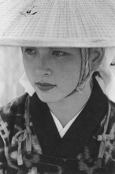 """美人♡な秋田おばこさん/""""Akita Obako"""" photo by Ihei Kimura(1901-1974)"""