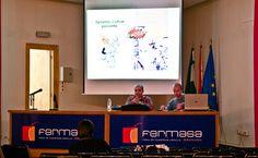Presentación de la Asociación y de la ponencia. Foto: Lidia Fernández. #XIXSalónDelCómicGr #CEntreViñetas