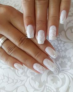 Wedding Nails: Beautiful and Elegant Nail Designs - Perfect combo Manicures & Engagement rings - perfect combo - Nageldesign Elegant Nail Designs, Elegant Nails, Nail Art Designs, Wedding Day Nails, Wedding Nails Design, Trendy Nails, Cute Nails, My Nails, Sparkle Nails